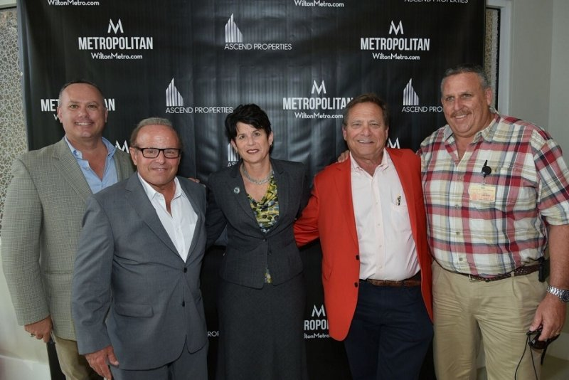 (L to R) Ascend co-developers Dean Borg and Michael Wohl, Wilton Manors City Commissioner Julie Carson, Ascend Co-Developer Richard Finkelstein and Wilton Manors Director of City Utilities David J. Archacki.